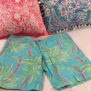 Lilly Pulitzer size 8 Bermuda shorts
